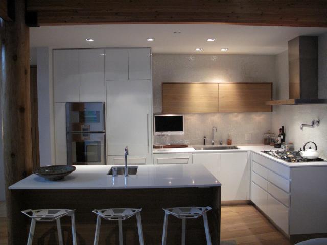 townhome-interior-design-full-kitchen