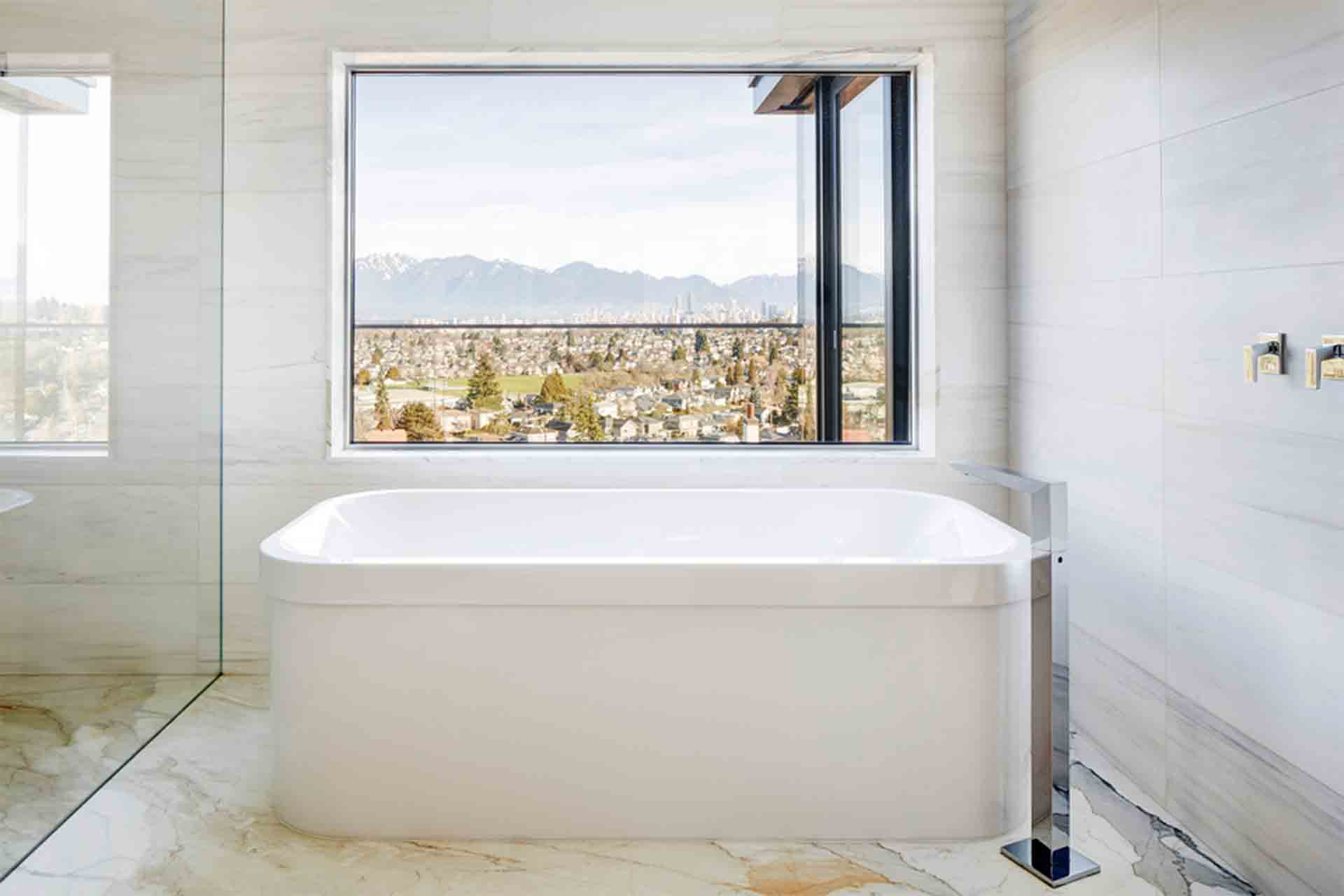 West 30th Interior Design Bathtub HDA